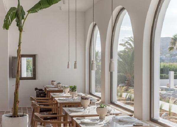 探索室内设计的希腊风格——帕里欧酒店 (1).png
